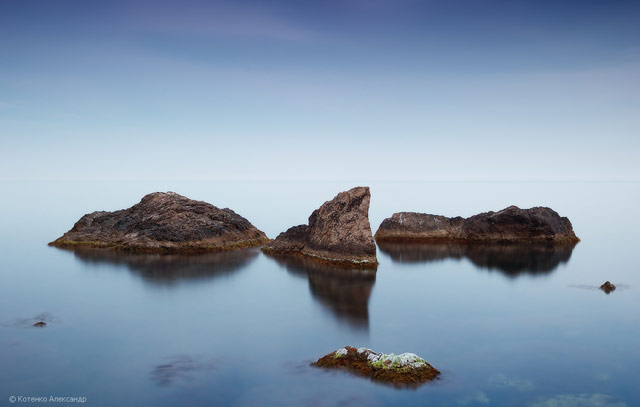 cliffs in water photography